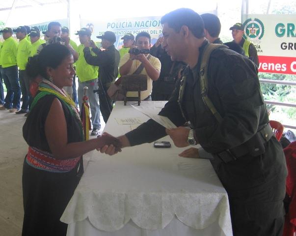 Gobernadores y Alguaciles de las comunidades indigenas, se graduaron como promotores en seguridad ciudadana.