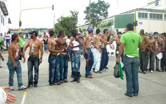 Marcharon para rechazar proyecto de distrito minero