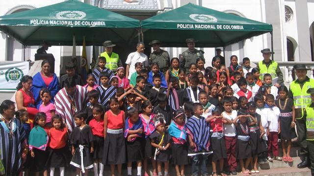 Primer Grupo de Policía Cívica Juvenil Indígena en Colombia