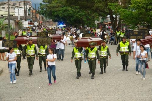 Policía lanza campaña «Enterremos la imprudencia»