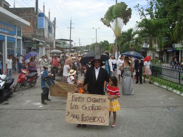 La familia Castañeda llegó a los carnavales de la Hormiga
