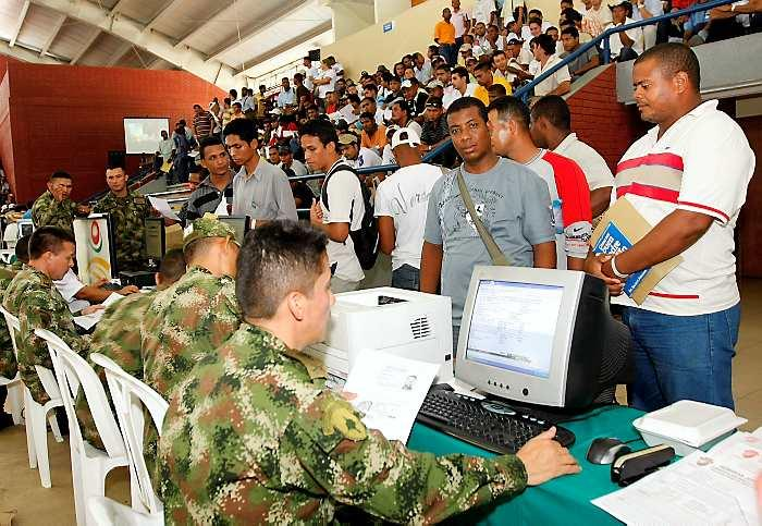Distrito Militar realiza campañas para definir la situación militar
