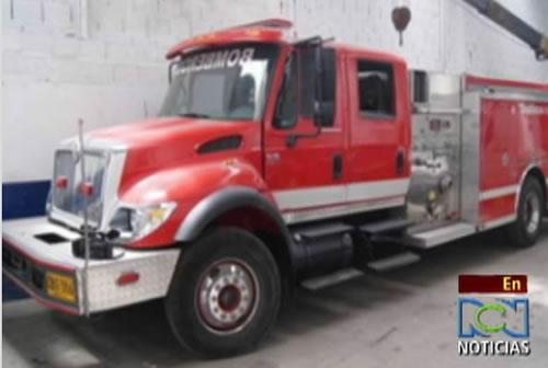 Descubren cartel que trae de contrabando carros de bomberos