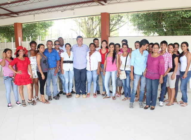 Alcalde de Puerto Asís se reune con estudiantes del ITP
