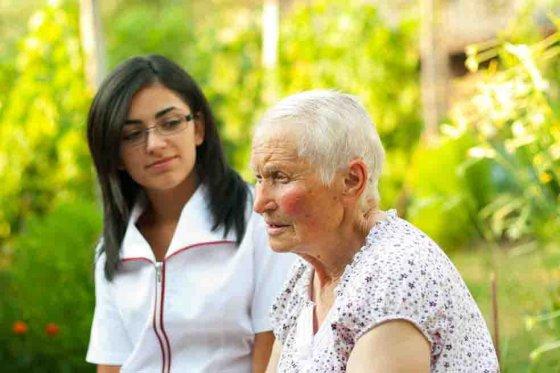 Por orden judicial los hijos deben cuidar a sus padres ancianos
