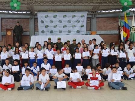 """Certificados 2,000 niños, niñas y adolescentes en el programa """"Abre Tus Ojo"""" en Mocoa"""