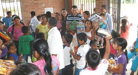 Corpoamazonía celebró la navidad con los niños de la zona rural de Mocoa