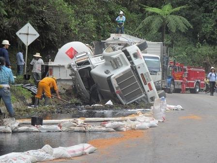 Alcaldía de Pitalito y Cámara de Comercio piden suspender transporte terrestre de crudo