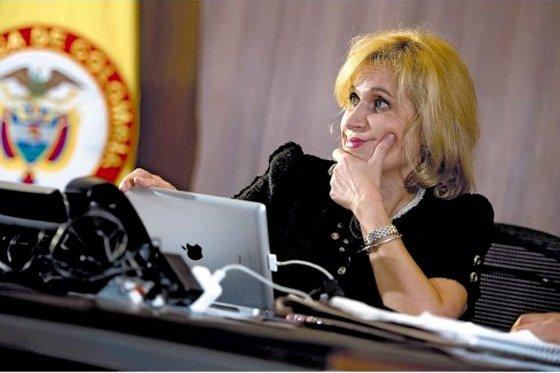 Fiscalía archivó proceso contra la contralora General