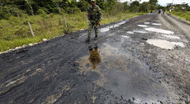 Ataques en Putumayo encienden alarmas militares y ambientales