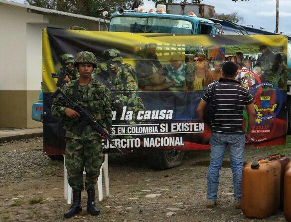3000 galones de combustible de contrabando incautados por el Ejército en Orito.