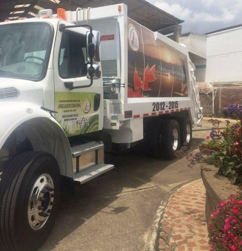 Puerto Asís abre la puerta a la convivencia ambiental, con carro compactador de basura