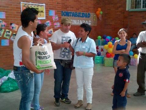 UniMinuto Solidario beneficia a 50 familias en Mocoa