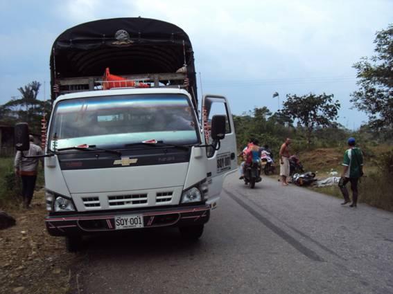 Conductor de camión provoca accidente en vía a Siberia