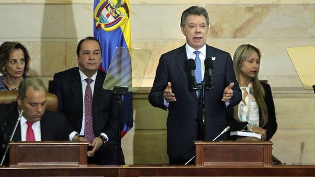 Suspensión de bombardeos no es un cese bilateral disfrazado: Santos