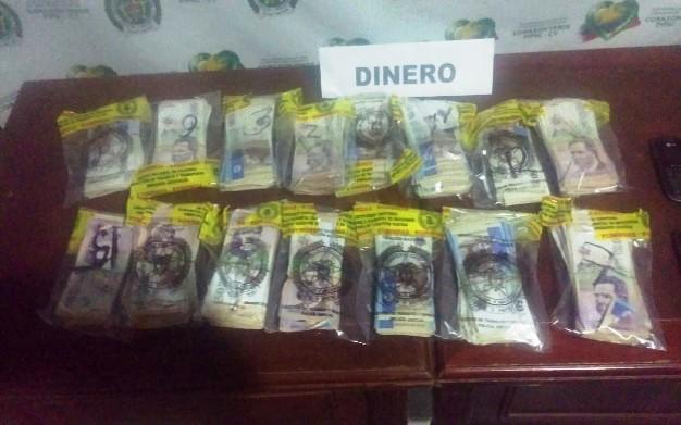 Incautados mas de 74 millones de pesos encaletados en vehículo