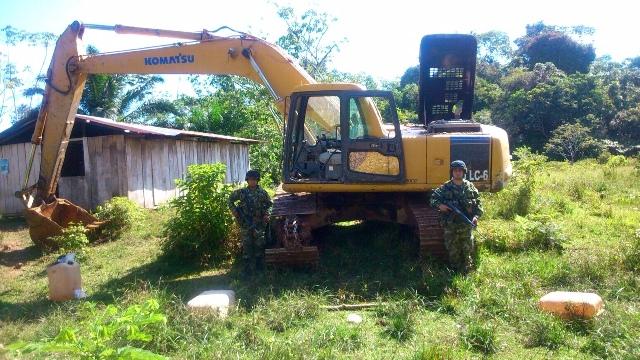 Ejército incauta maquinaria dedicada a minería criminal en limites de Cauca y Putumayo