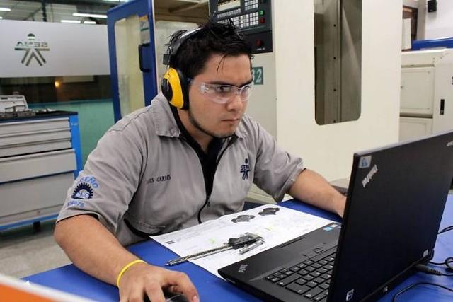 260 mil colombianos consiguieron trabajo por intermediación del Sena