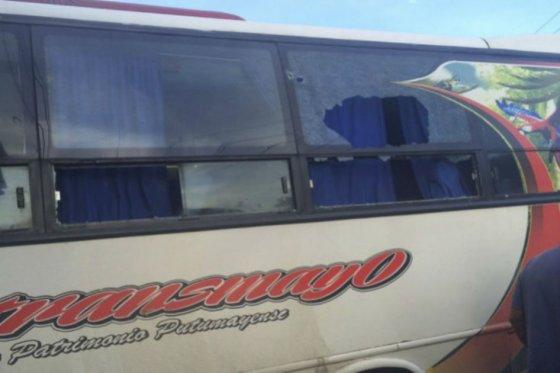 Dos buses son atacados a piedra en el sur del Huila durante paro agrario