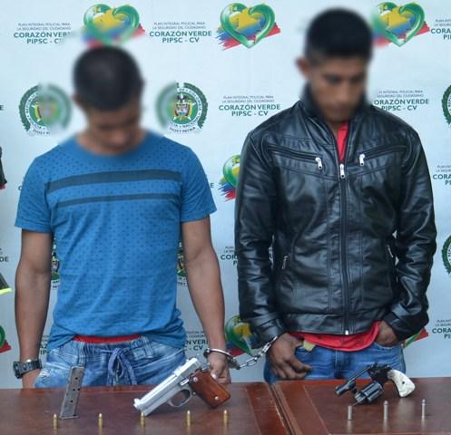 Capturadas dos personas por porte ilegal de armas de fuego