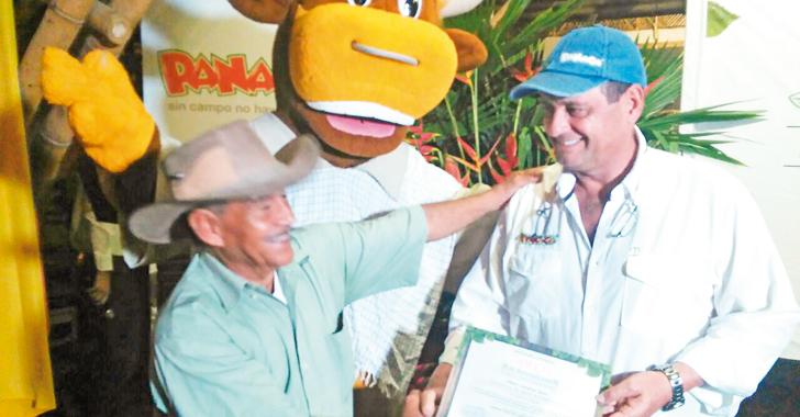 Minagricultura y Panaca formaron 200 campesinos