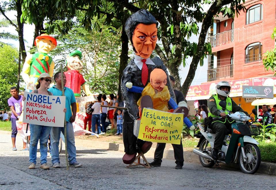 Tradicional desfile de años viejos en Mocoa