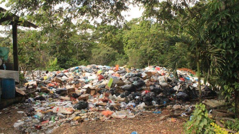 Puerto Caicedo se declara en emergencia sanitaria por colapso del relleno sanitario