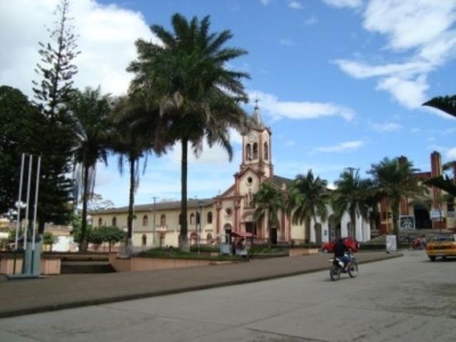 Alcalde de Mocoa propone al concejo cobrar una Tasa (impuesto) por parquear carros y motocicletas en las calles de capital putumayense
