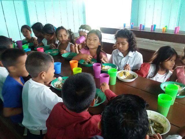 El Programa de Alimentación Escolar en el Putumayo está cumpliendo y funciona mucho mejor. ERM Vereda Agua Blanca – Puerto Asís
