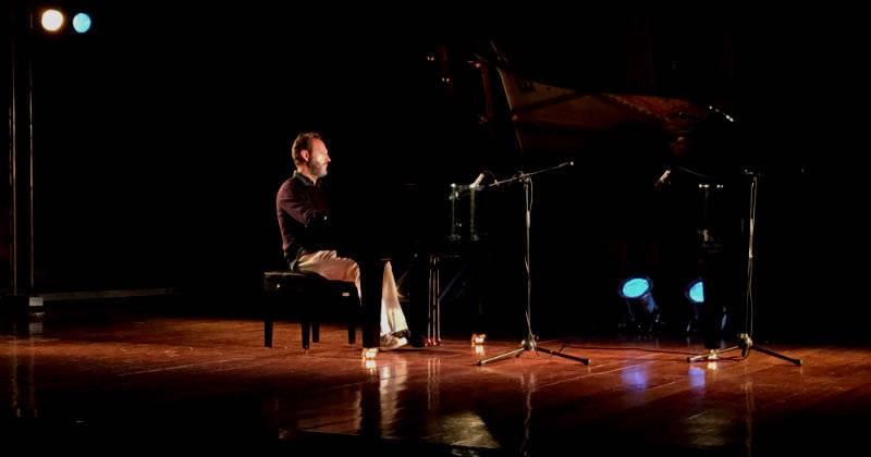 Cesare Picco y la música en la oscuridad: un juego con los sentidos