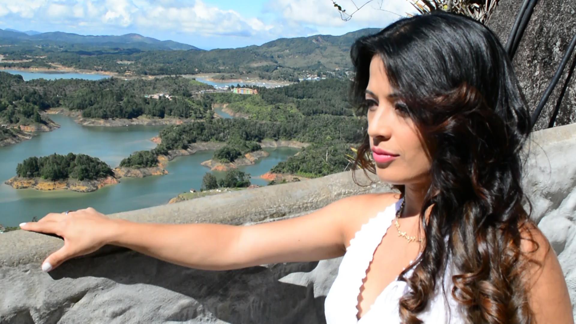 Conny Fernández presenta su primer sencillo discográfico «No Mas»