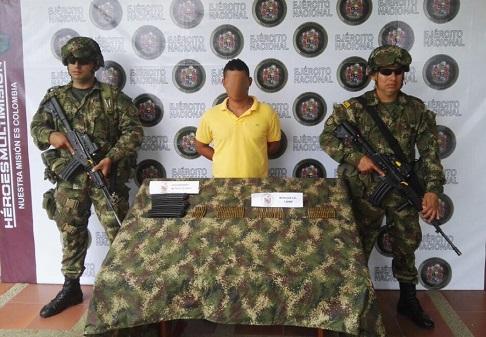 Ejército Capturó A Joven Con Material De Guerra En Carreteras Del Putumayo