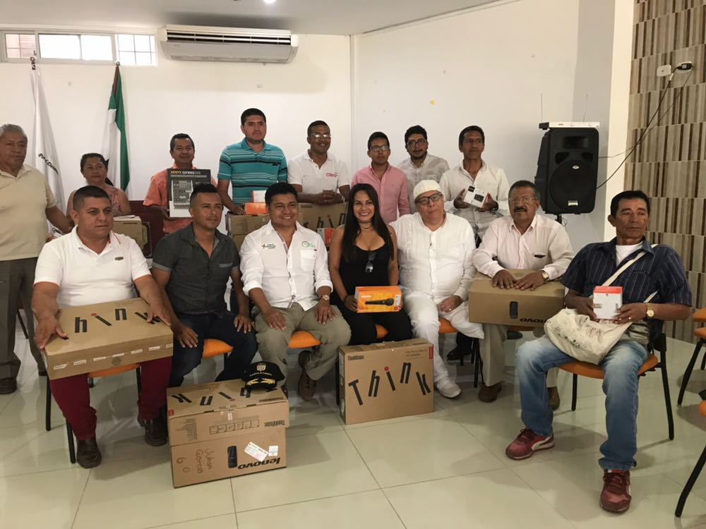 Flip, entrega ayudas a periodistas de Mocoa