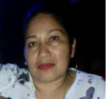 Asesinan a una mujer cuando se transportaba en un bus