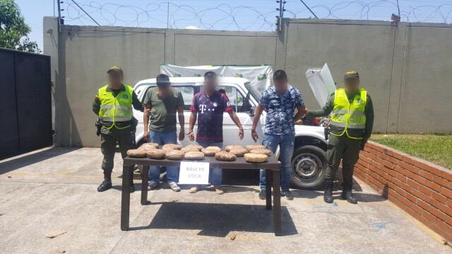 Incautados 20 kg de base de coca camufladas en vehículo