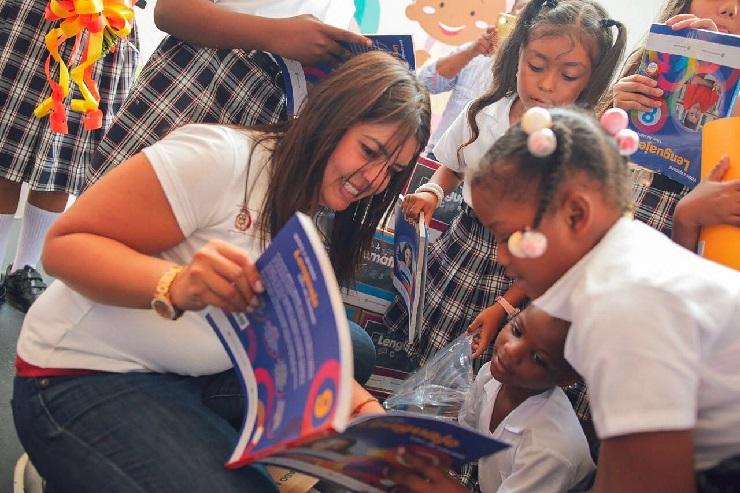 En Putumayo, Mineducación entrega gratis más de 95.000 textos escolares