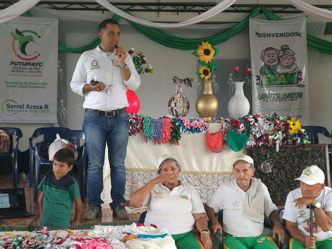 Más de 200 adultos mayores de Puerto Guzmán recibieron kits de aseo personal