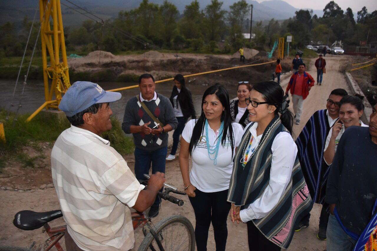 Gobernadora hace visita en terreno por el Valle de Sibundoy