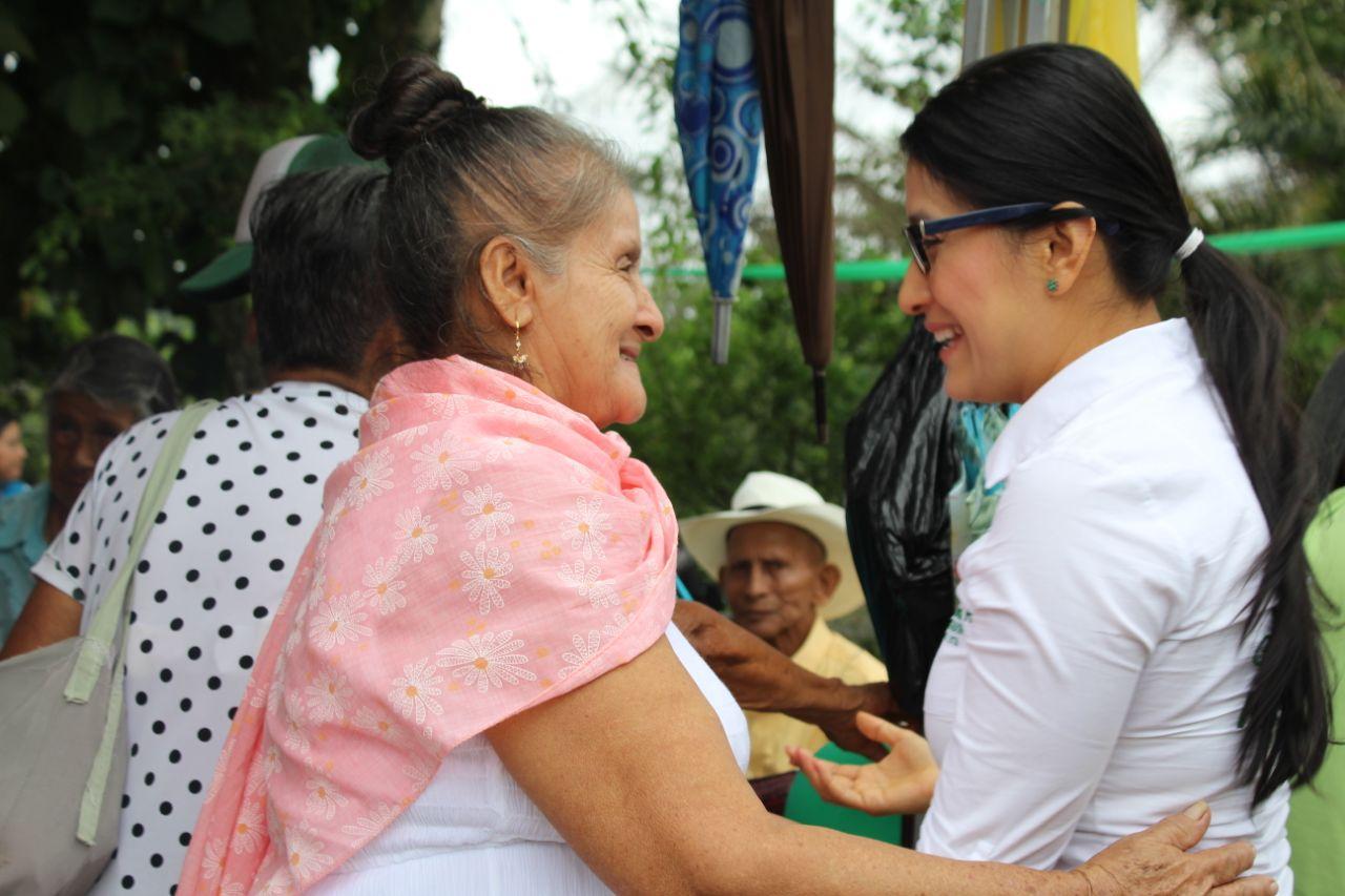 Gobernadora visita nuevas instalaciones para el Centro Día de Orito