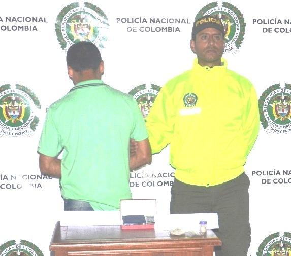 En flagrancia fueron capturadas 3 personas por el delito de tráfico de estupefacientes.