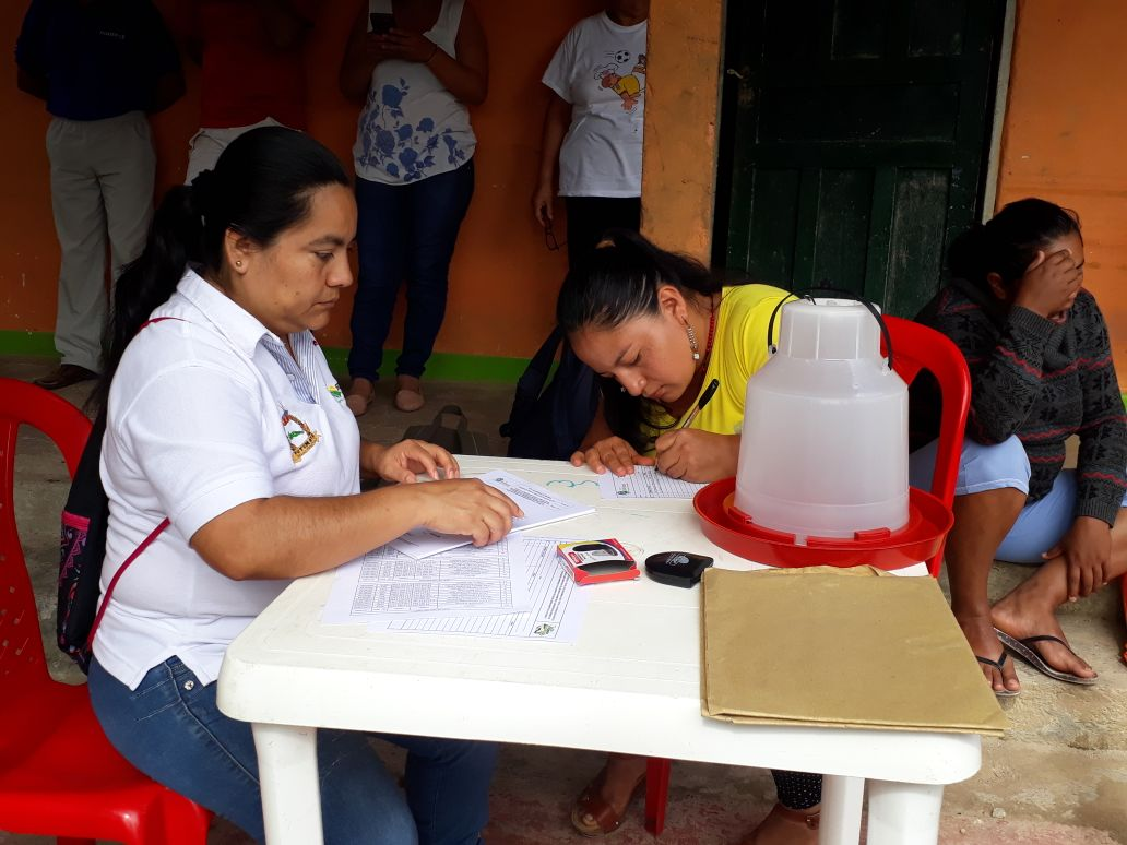 Entrega de insumos pecuarios a familias víctimas de la avenida fluvio-torrencial en Mocoa