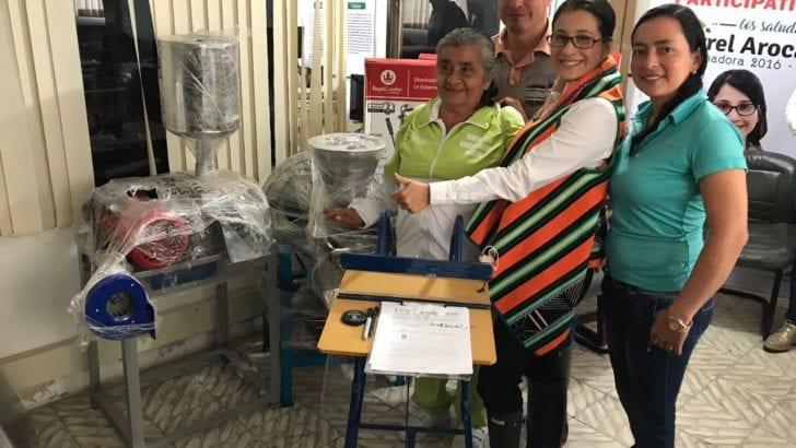 Gobernadora entrega equipos a beneficiarios de Asambleas de Presupuesto Participativo en Mocoa