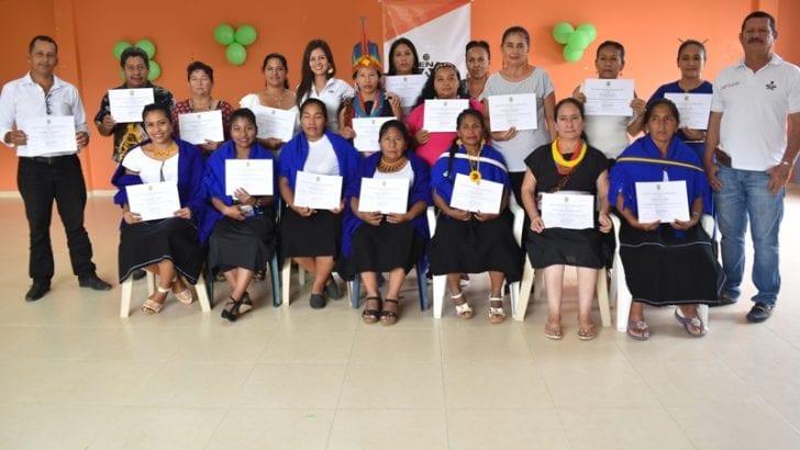 Indígenas del Resguardo Aguaditas en Puerto Guzmán reciben certificación por competencias laborales