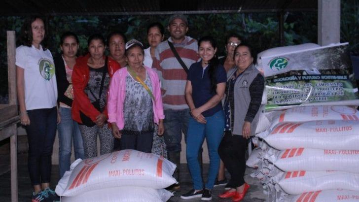 Familias de Pueblo Viejo, víctimas de avenida fluvio-torrencial en Mocoa, recibieron insumos pecuarios
