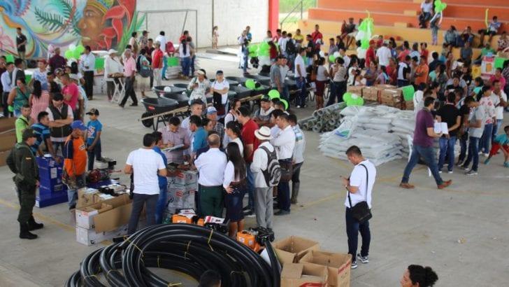 En San Miguel, Gobernadora entrega insumos y equipos a beneficiarios de Asambleas de Presupuesto Participativo