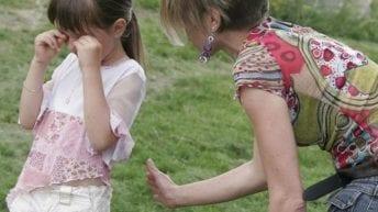 Padres no podrán pegarles a los hijos, según proyecto anunciado por Bienestar Familiar