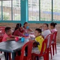 Estudiantes de la Vereda Arizona en Puerto Caicedo ya cuentan con su tienda escolar
