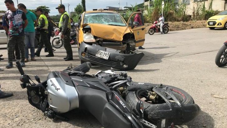 Motociclista se salvó de milagro!