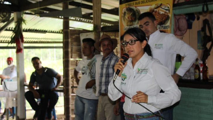 Gobernadora se reúne con habitantes de la vereda San Antonio en Leguízamo