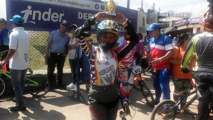 Yoselín Lara, deporte y estudio de la mano de su padre